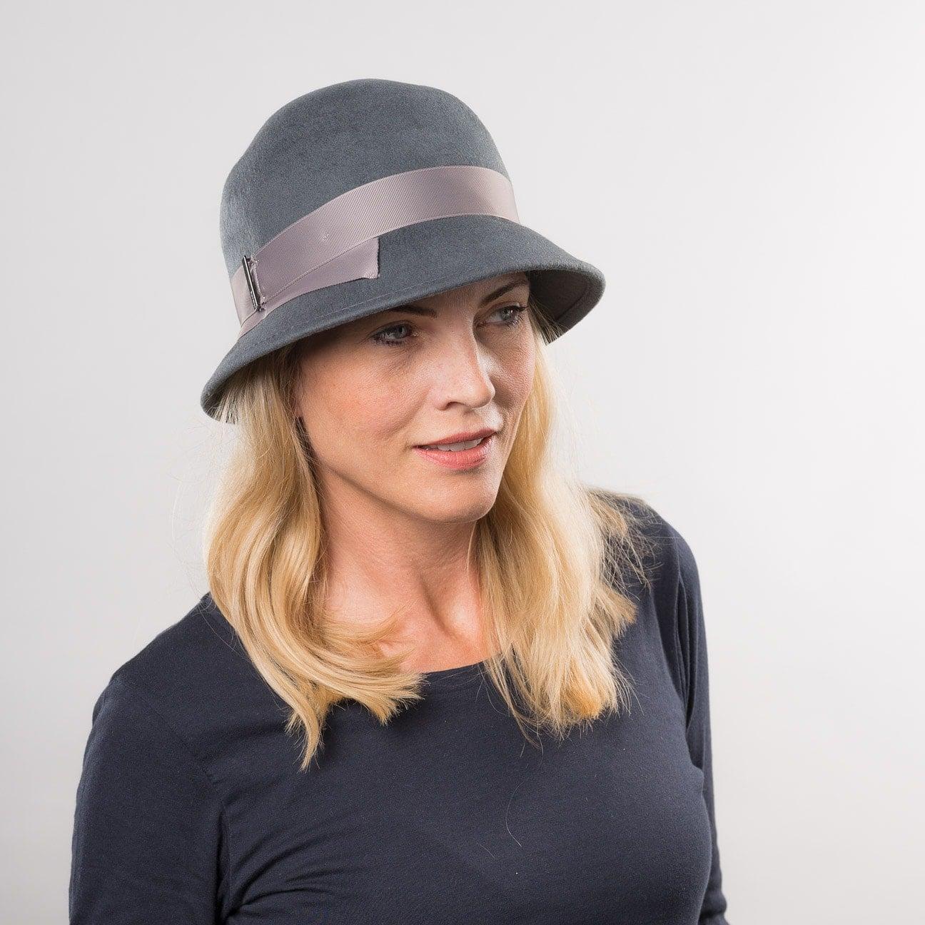 charleston hoed